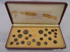 ButtonArtMuseum.com - Collecton of Antique Ferrotype Tintype Bottons 24 in All One Civil War Soldier