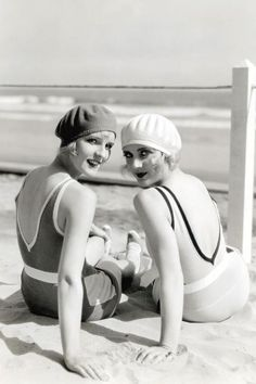 Vintage seaside.  How cute are they!?