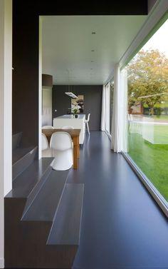 Interior/exterior overflow at House WR in Keerbergen, Belgium by Niko Wauters