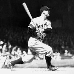 Lou Gehrig playing baseball