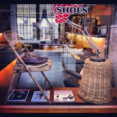 Saturday!! It was time for a new window. #redwing #redwings #redwingshoes #boots #amsterdam #shoes #window #oxford #moc