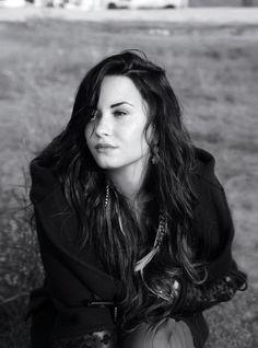 Elle. Demi Lovato. 2011.