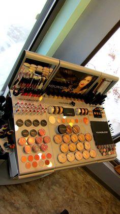 dream salon, salon makeup station, spa