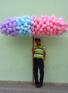 This is how we sell #CottonCandy at the faire in #Guatemala