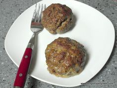Meatballs stuffed with mozzarella and spinach. Gluten-free, low carb and paleo.