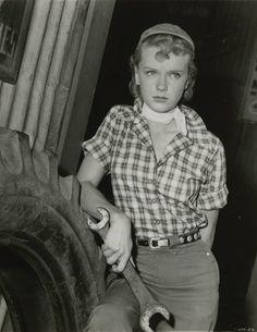 Wrench wielding Ann Francis