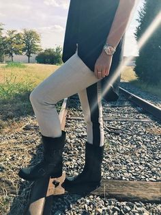 It's time for a little outfit inspiration! Check out how we styled the Bromstad Bridgette moto boot.