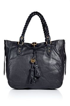 really love this juicy couture leather bag. <3