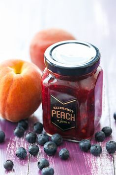 Blueberry Peach Jam (plus download the FREE printable jar labels!)