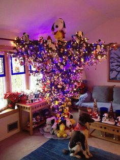 Upside down Snoopy Tree