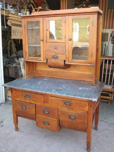 Pre-Hoosier cabinet...'❤❤❤❤❤❤❤❤'