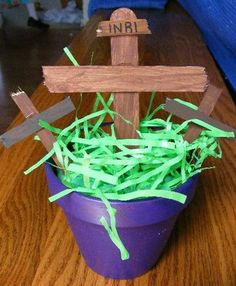 Cute Lenten cross craft- Lydia's preschool co-op did these last year and they turned out really cute!