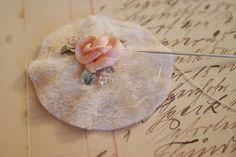 * Sleepless in NRW *: Silk Ribbon Embroidery & Pimp My Pins Tut
