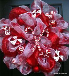 christma wreath, christmas wreaths, craft, christmas decorations, candi cane, candy canes, candy cane wreath, cane christma, deco mesh