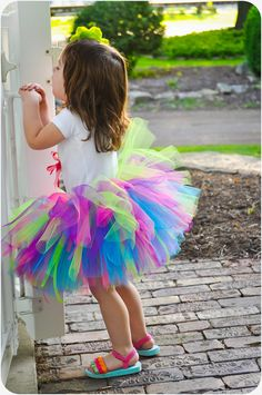 Looooove the colors! omg when I have a little girl she will wear things like this every now and then!!