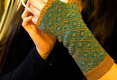 See Eunny Knit!: Endpaper Mitts