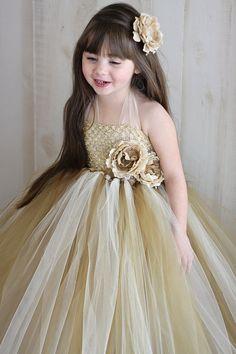 Adorable Flower Girl Dress!   Credit: Tutu Flower Girl Dress  Anastasia by Tutu by TutuBellaBoutique,  #CupcakeDreamWedding
