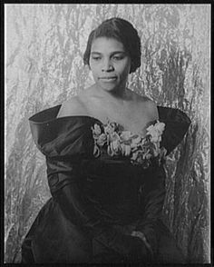 Marian Anderson    Marian Anderson (February 27, 1897 – April 8, 1993),[1] was an American contralto, perhaps best remembered for her performance on Easter Sunday, 1939 on the steps of the Lincoln Memorial in Washington, D.C..