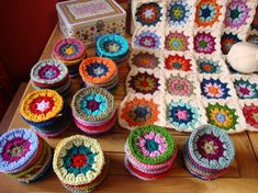 Maybe a good way to use up leftover yarn. Esp. since you can do up to that point and then join-as-you-go with the white yarn?