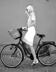 What Stylish Fashion Bloggers Wear When Bike Riding images
