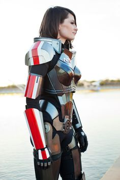 Mass Effect 3 N7 Armor build - amazing work, it's actually made out of aluminum. Puts it a fair step above a lot of the armour work out there. =)