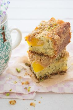 Peach and lemon poppy seed buckle cake