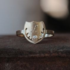A fresh take on the classic signet.