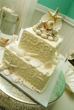 beautiful beach wedding cake!