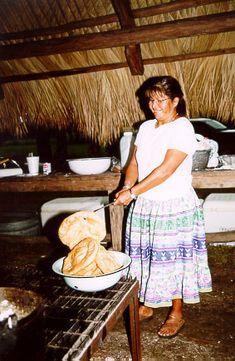 Frybrad Seminole cooking. The Seminole Tribe of Florida.