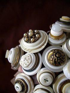 vintage button bouquet detail