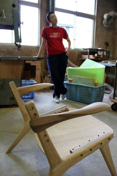 Inoda + Sveje have been developing the Knockdown Chair while at Miyazaki chair factory