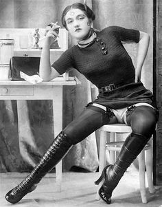 La fétichiste, c1930s, photographer Yva Richard.