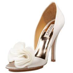 dorsay pump, mischka women, bridal shoe, wedding shoes, weddings, women randal, pumps, badgley mischka, randal dorsay
