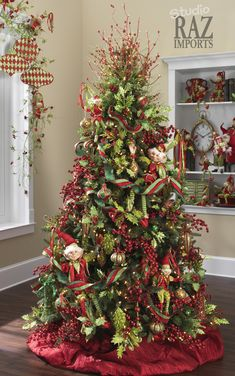 2012 Christmas Tree / I don't like the elfs but I love everything else