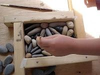 How to make a pebble mosaic tile