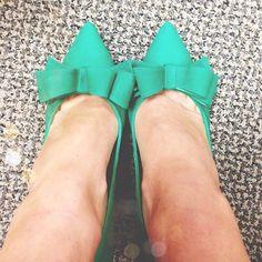Bow heels.