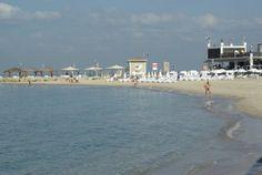 Relax on the beach in Tel Aviv