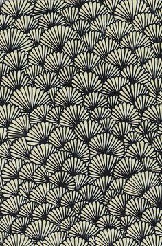 black and cream scallop fan design