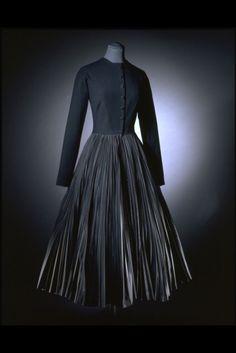 Jean Dessès dress ca.1955 via The Victoria & Albert Museum