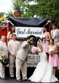 fire trucks, fire fighter wedding, fire truck wedding photos