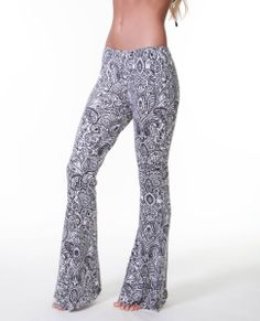 GOLDEN COAST PANT  These all-over print jersey pant with elastic waistband.
