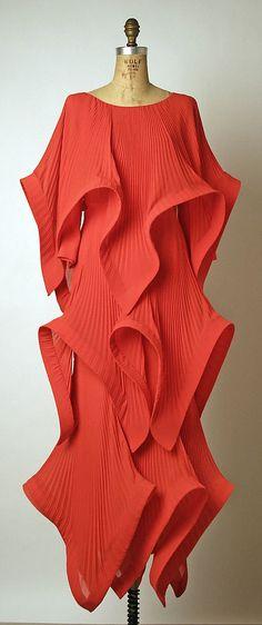 Evening dress Pierre Cardin (French, born San Biagio di Callalta, Italy, 1922) Date: ca. 1985 Culture: French Medium: silk