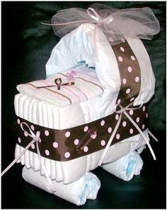 diaper cake, baby shower ideas, homemade baby gifts, babi gift, baby shower gifts