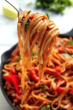One-Pan Veggie Fajita Pasta #vegetarian #restaurantreviews