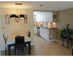 Absolutly Beautiful Completely Updated Condo With One Bed And One Bath