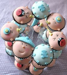 Baby shower cupcakes. AWESOME!!  More awesome ideas for the future baby: http://www.mybellapearl.com/baby-bella-gifts/