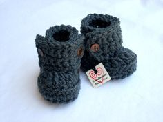 Baby Booties, Baby Boots, Crochet Baby Booties  12.00 (pick a color)