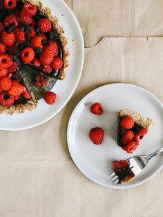 No-bake chocolate-raspberry tart