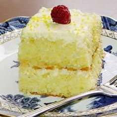 Lemon Cake Recipe ~ This is a wonderful easy recipe that is truly delicious. Lemon sheet cake with a cool lemony cream topping. Everyone who has tried it absolutely loves it.