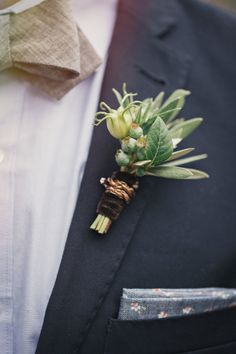 Organic boutonniere: http://www.stylemepretty.com/little-black-book-blog/2014/10/31/vintage-new-york-city-wedding-inspiration/ | Photography: Clean Plate - http://www.cleanplatepictures.com/